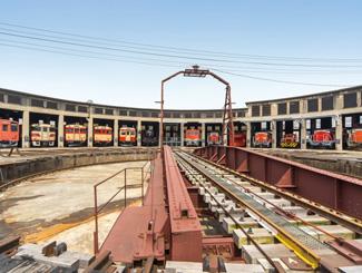 津山まなびの鉄道館(旧津山扇形機関車庫)